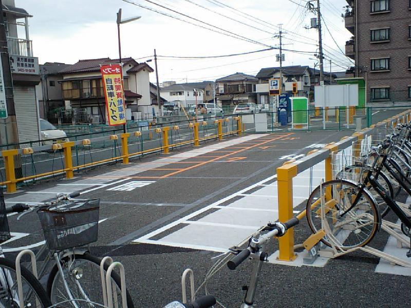 福生駅西口自転車・バイク駐車場