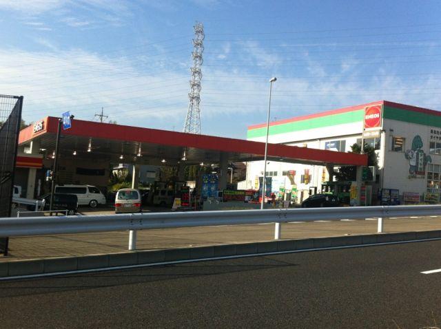ガソリンスタンド ENEOS Dr.Drive セルフ川和店 / (株)ENEOSフロンティア
