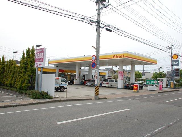ガソリンスタンド 昭和シェル石油 セルフ小新SS / 貝印石油(株)