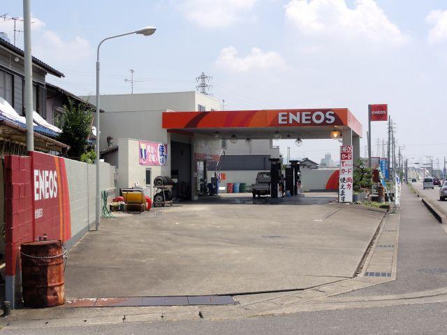 ガソリンスタンド ENEOS 曽我屋SS / (有)鷲見石油