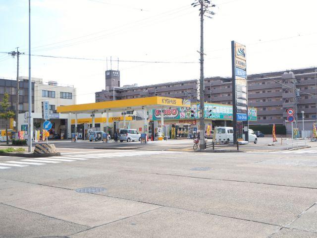 ガソリンスタンド KYGNUS セルフLapit港東通 / 平和石油(株)