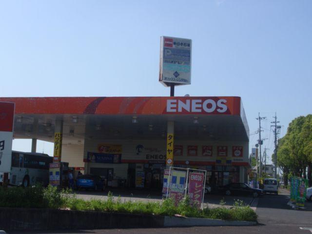 ガソリンスタンド ENEOS マルチモービルステーションSS / 岩崎産業(株)